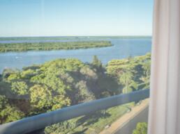 Hotel Maran Suites & Towers habitación suite panorámica vista parque Urquiza y río Paraná