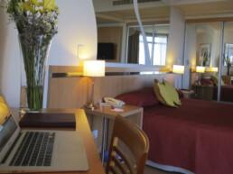 Hotel Maran Suites & Towers habitación premium cama