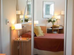 Hotel Maran Suites & Towers habitación ejecutiva cama