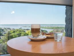 Hotel Maran Suites & Towers habitación premium desayuno