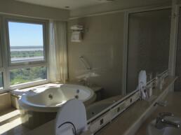 Hotel Maran Suites & Towers habitación presidencial baño hidromasaje